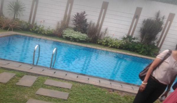 fasilitas kolam renang